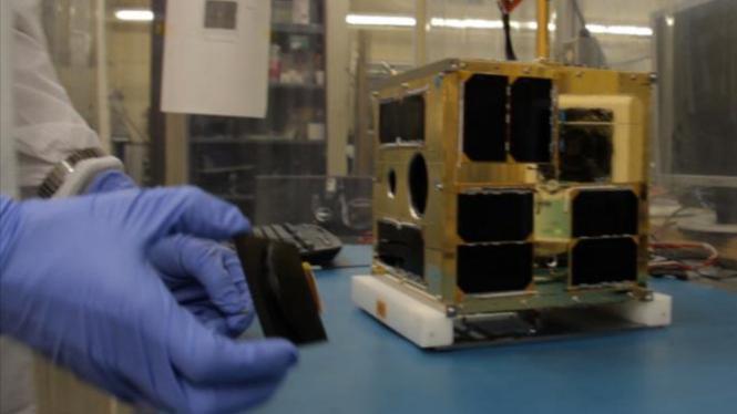 untuk Laboratorium Space Flight di University of Toronto Institute for Aerospace Studies (UTIAS)
