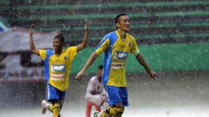 Permain Persegres Gresik United, Aldo Baretto