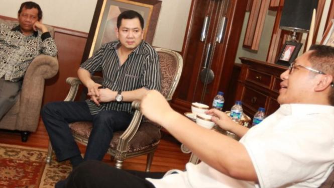 Mahfud MD dan Hary Tanoe kunjungi Anas Urbaningrum