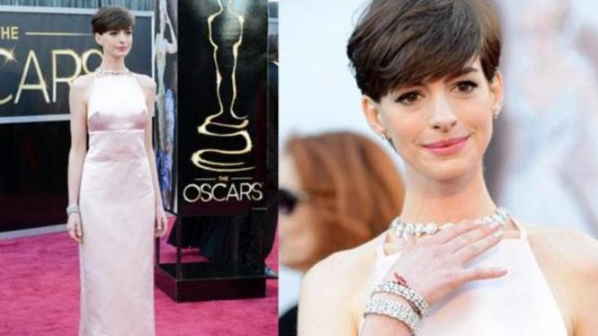 Gaun Anne Hathaway di Oscar