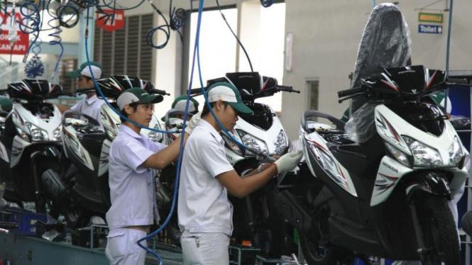 Warna stripe baru Honda Vario CW