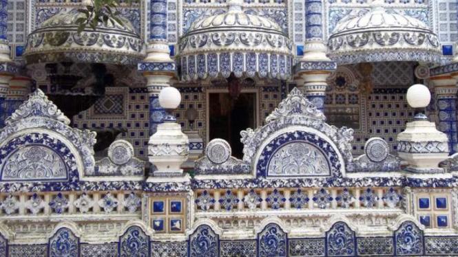 Masjid Ajaib yang sebenarnya merupakan bangunan pondok pesantren