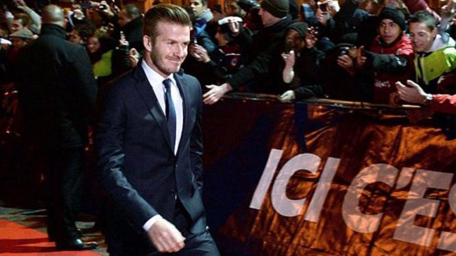 David Beckham berjalan di karpet merah menuju Stadion Parc des Princes
