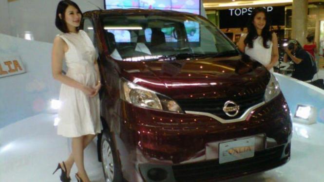 Nissan Evalia.