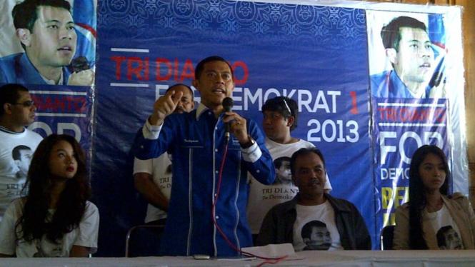 Tridianto, saat mengumumkan pencalonannya sebagai Ketua Umum Demokrat.
