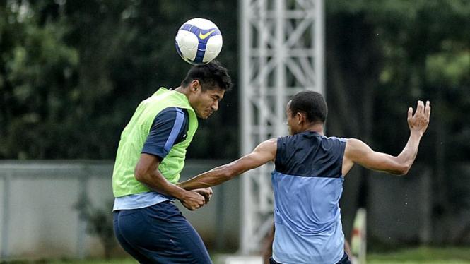 Timnas Indonesia Berlatih Di Lapangan Halim