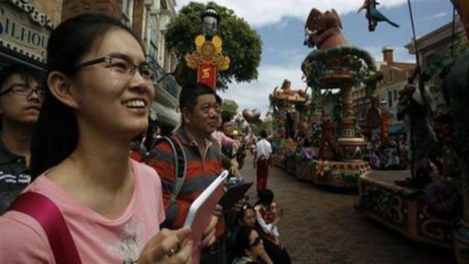 Para turis China di luar negeri.