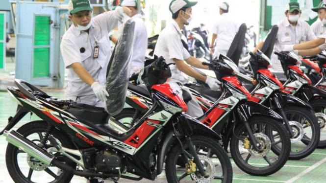 Warna dan stripe baru Honda Supra X 125