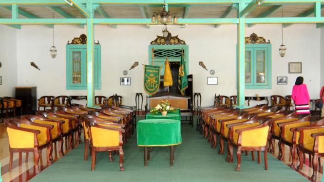 Antik dan Lezat di Cirebon – VIVA 37f6921734