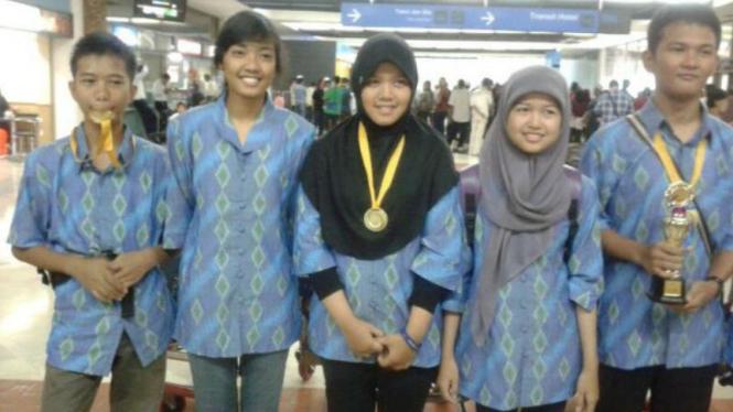 Remaja Indonesia meraih emas dalam lomba karya ilmiah di Malaysia (ilustrasi)