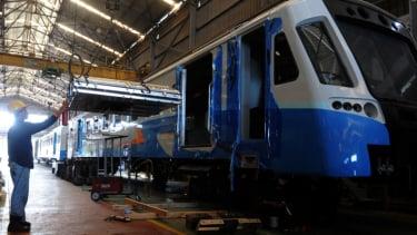 Produksi Kereta PT INKA.