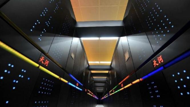 Tianhe-2, salah satu superkomputer dari China.