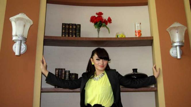 Zaskia Sinta, Nona Noni Dan Kartika Putri di SOS ANTV