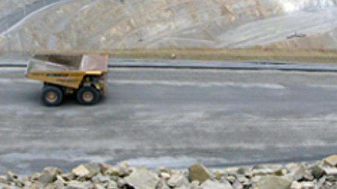 Kegiatan penambangan Bumi Resources Minerals, anak usaha Bumi Resources.