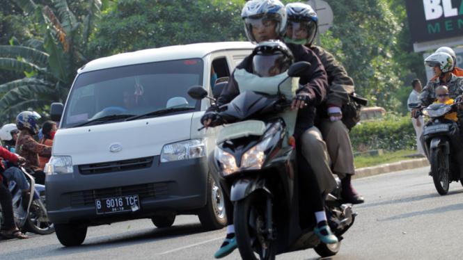 Pengendara sepeda motor jarak jauh. Foto ilustrasi.