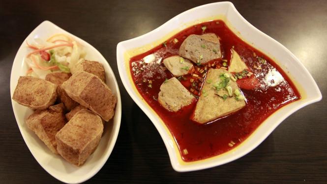 Tahu bau goreng, kuliner khas Taiwan.
