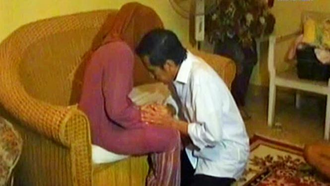 Pulang Kampung, Jokowi Sungkem Sang Ibunda