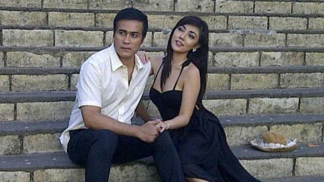 Adjie Pangestu dan Bella Sofie