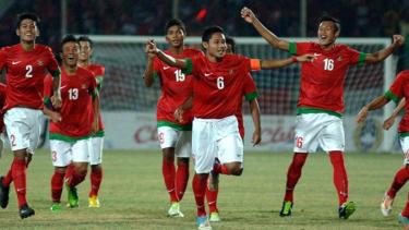 Pemain Timnas Indonesia U-19 merayakan kemenangan