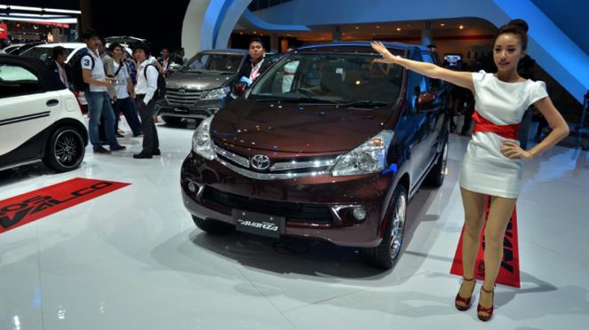 Toyota Avanza dipamerkan di ajang Indonesia International Motor Show 2013.