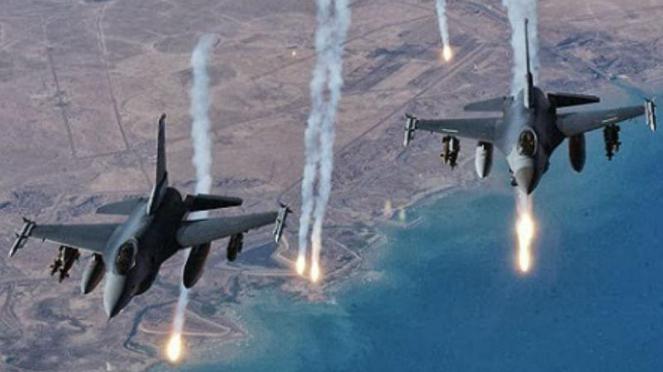 Pesawat Tempur F-16.