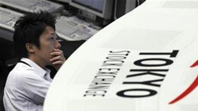 Pialang di Tokyo Stock Exchange
