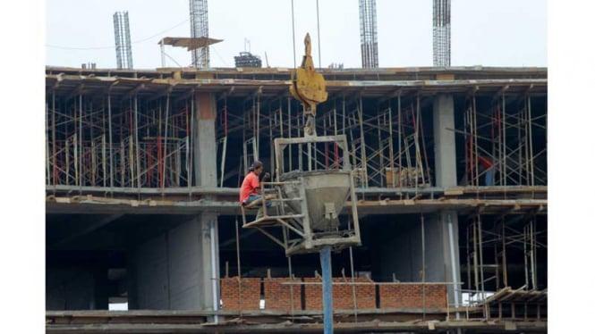 Ilustrasi realisasi investasi pembangunan.