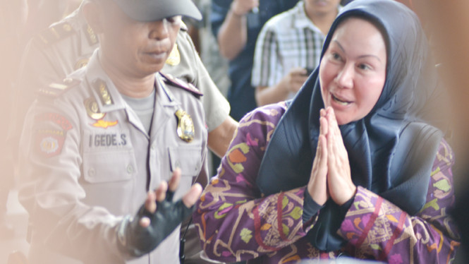 Ratu Atut Datangi KPK