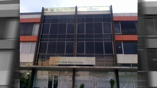 Klinik riset kanker Edwar Technology yang didirikan Warsito P Taruno