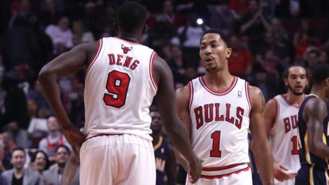Pemain Chicago Bulls, Loul Deng dan Derrick Rose