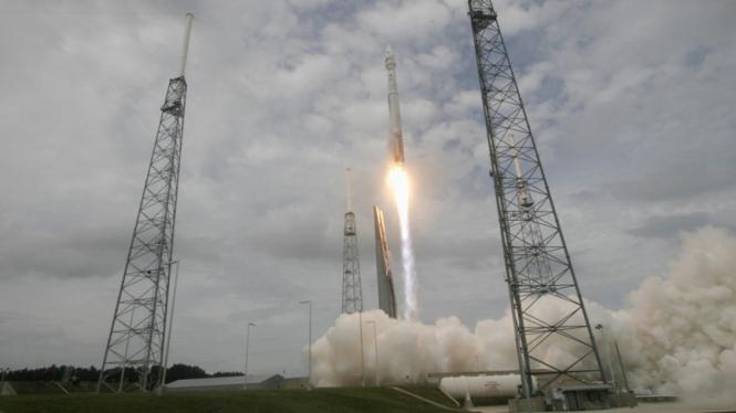 peluncuran roket atlas 5 untuk misi Mars
