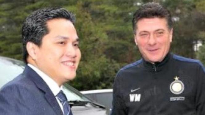 Presiden Inter Milan, Erick Thohir, bersama Walter Mazzarri