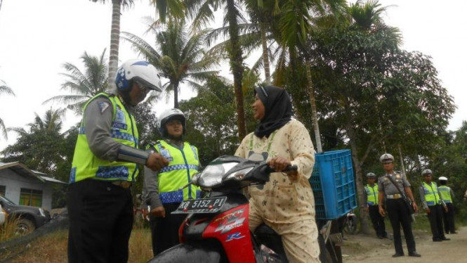 Kegiatan 'Polantas di Ujung Negeri' Polres Sambas, Kalbar