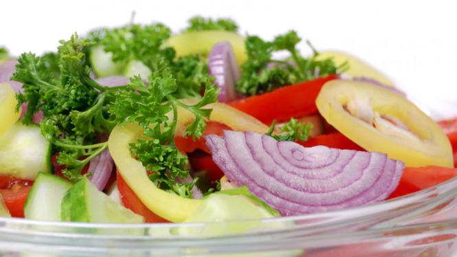 Salad bawang atau sayuran