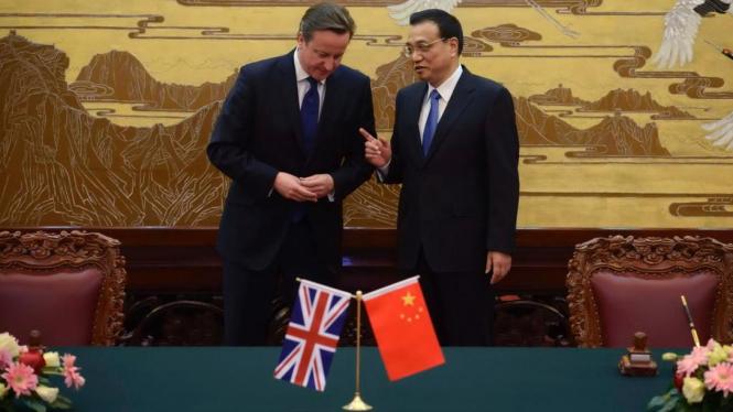 PM China Li Keqiang dan PM Inggris David Cameron di Beijing