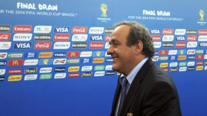Ketua UEFA, Michel Platini, di undian Piala Dunia 2014