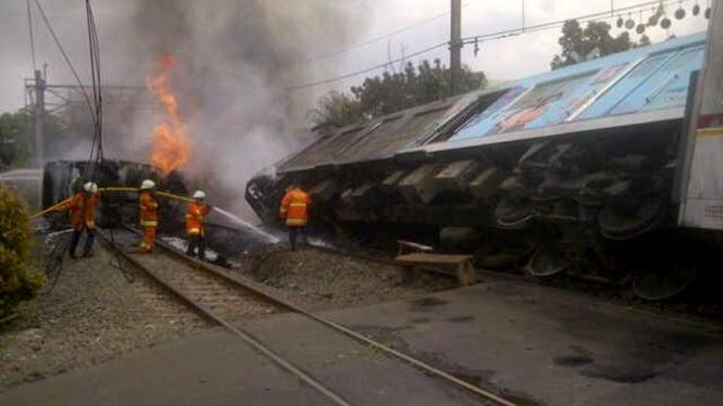 kecelakaan kereta api dan tangki LPG