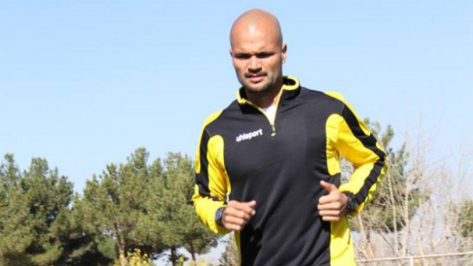 Sergio van Dijk berlatih bersama klub asal Iran, Sepahan