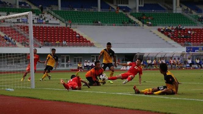 Laga Vietnam kontra Brunei Darissalam di SEA Games 2013