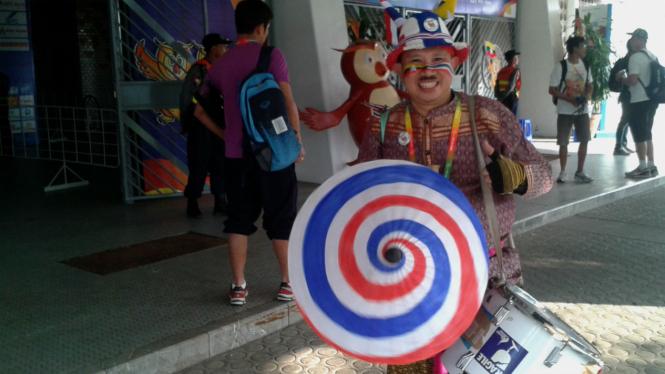 Suporter Nyentrik asal Thailand