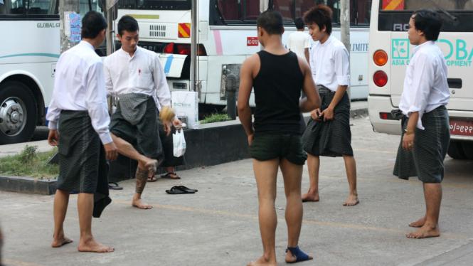 Chinlone, sepakbola tradisional Myanmar