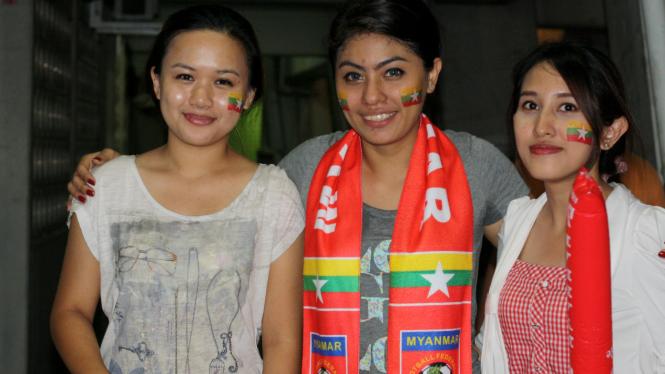 Trio suporter cantik Myanmar
