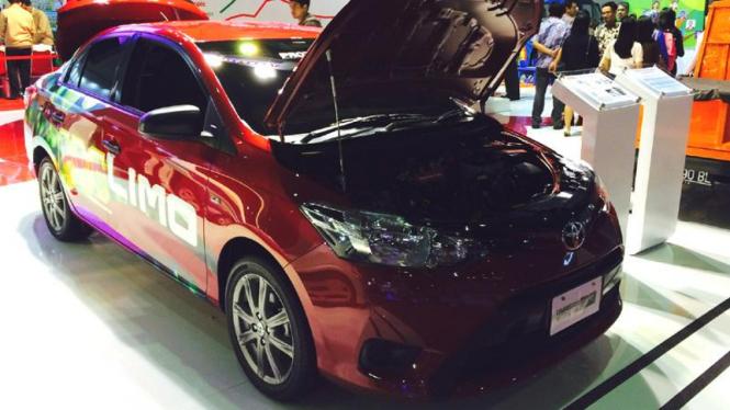 Prototipe sedan Toyota Limo (Vios) versi CNG