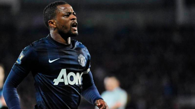 Bek kiri Manchester United, Patrice Evra.