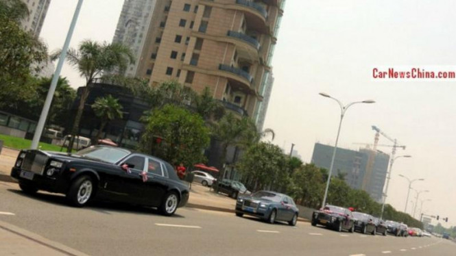 Konvoi supercar di China