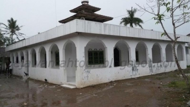 Masjid Kole Banten Tengah