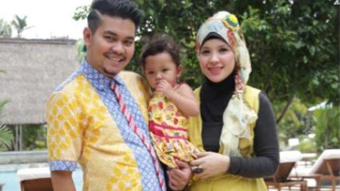 Inda Bekti dan keluarga