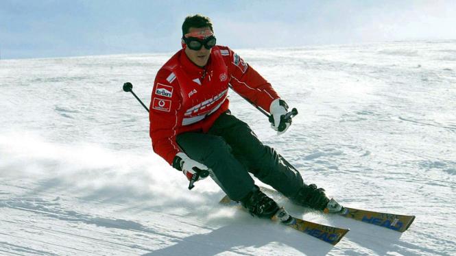 Michael Schumacher bermain ski