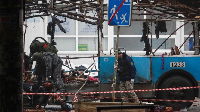 Polisi Rusia evakuasi korban serangan bom di Volgograd