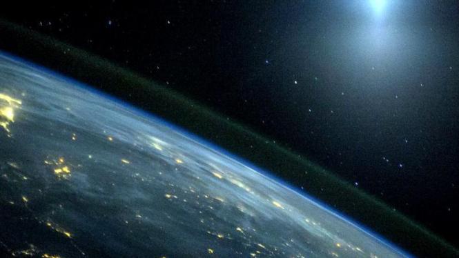 Foto Bumi dari luar angkasa yang diambil pada 2013